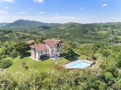 Villa I Turri, luxury in the vineyards