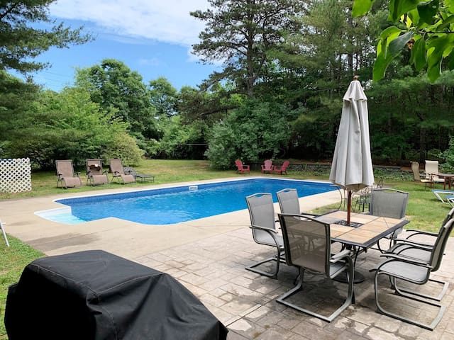 Private pool, near Old Silver, 5BR 3BA, A/C E105