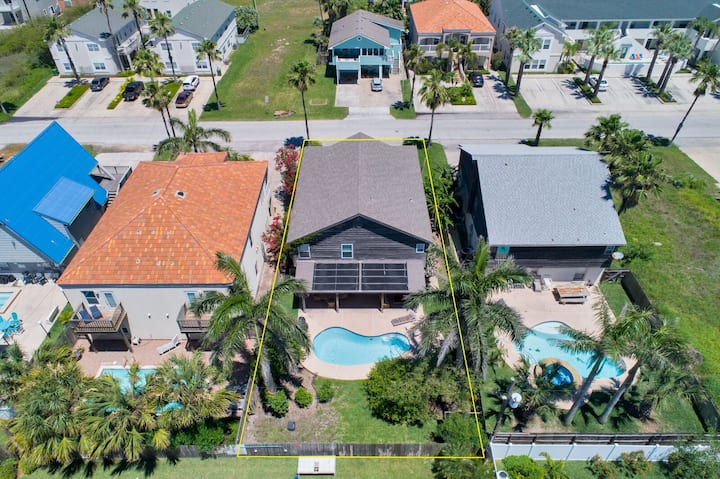 Spacious, Two-story House with Private Heated Pool! 5 Minute Walk to the Beach!
