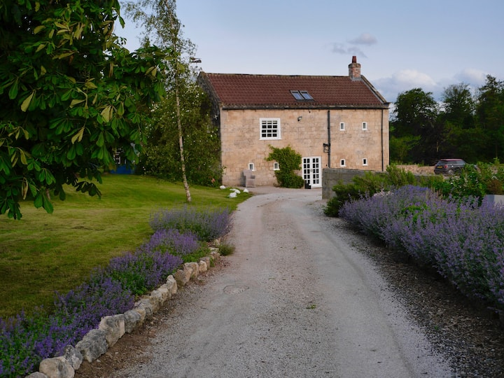Secluded barn conversion in beautiful countryside