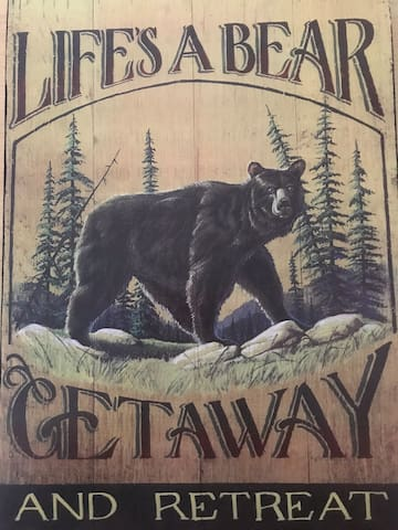 Life's A Bear Retreat, Coziest Little Cabin!