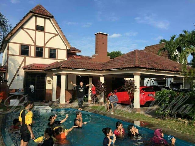 Villa (Sampaguita)of BucketLand Villa 4 daily rent