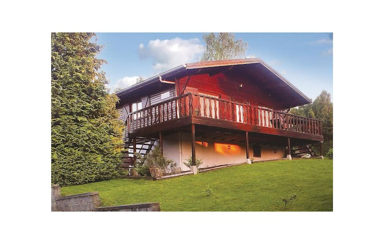 Holiday cottage with 3 bedrooms on 80 m² in Gouvy
