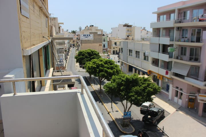 Central apartment 100m from seaside of Ierapetra - Ierapetra - Apartamento
