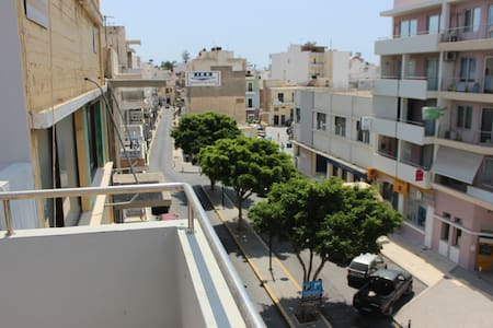 Central apartment 100m from seaside of Ierapetra - Ierapetra - Lägenhet