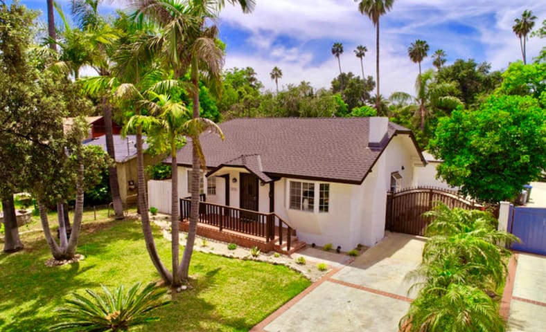 Private Historic Pasadena Cottage Style House