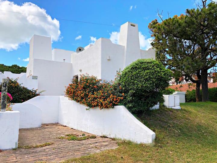 Casa estilo mediterraneo a dos Cuadras del mar