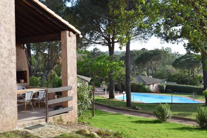 Terras avec bbq du mini-villa