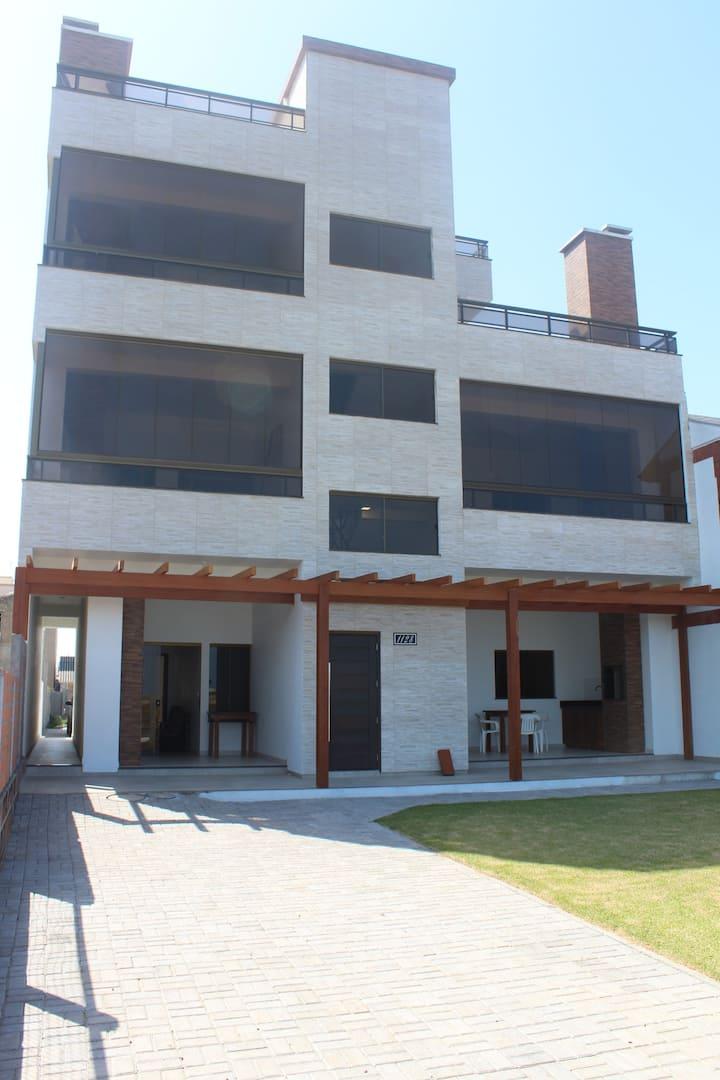 01-Apartamento Balneário Gaivota Frente para o Mar