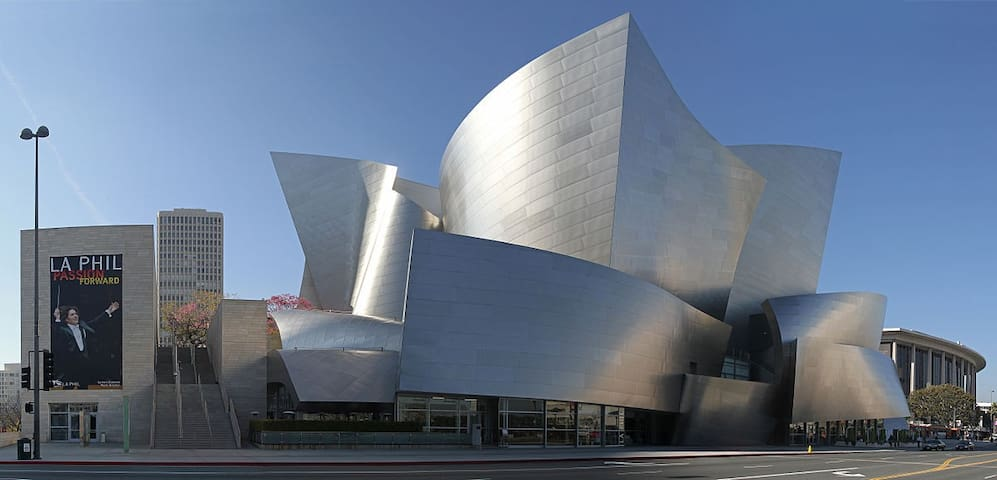 Minutes from Walt Disney Concert Hall
