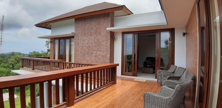 Labuan Bajo Mountain Villa with stunning views