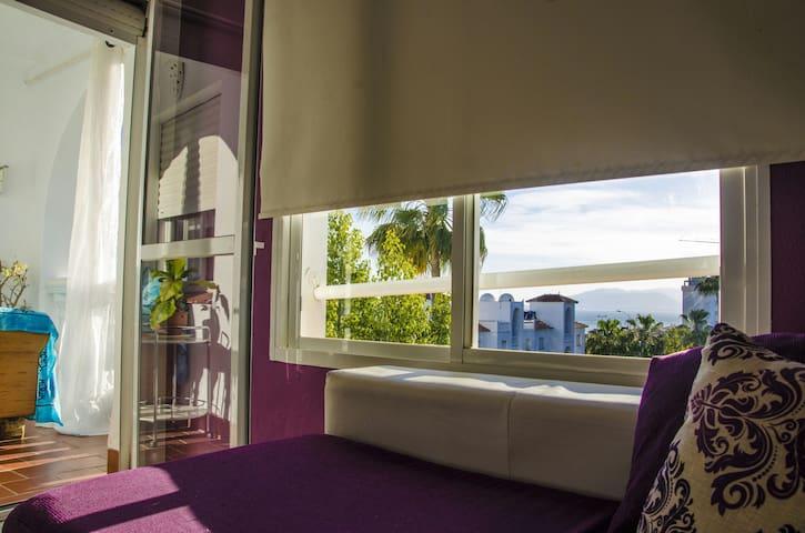 Apartamento con vistas al Mar - La Cala del Moral - Apartment