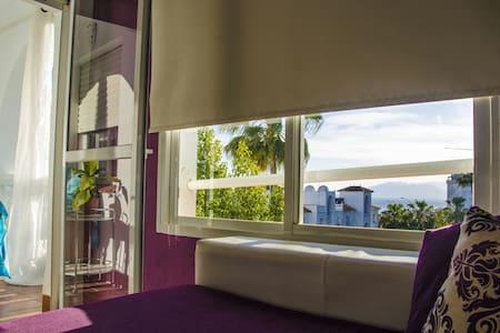 Apartamento con vistas al Mar - La Cala del Moral - อพาร์ทเมนท์