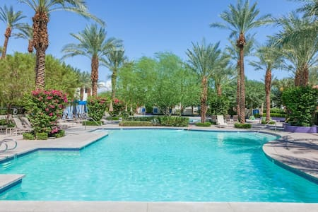 Newly Renovated 3Bd/3Ba Villa by Fountain - with optional Ms. Pac Man Video - La Quinta