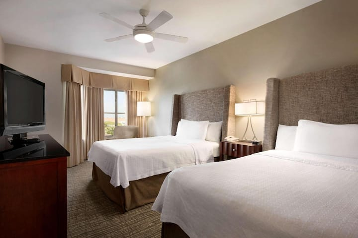 Royal Suite Two Double Beds One Bedroom At Plano Area