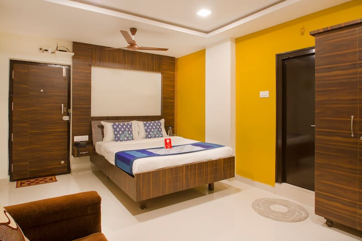 OYO Deluxe 1BR Supreme Stay In Kondapur