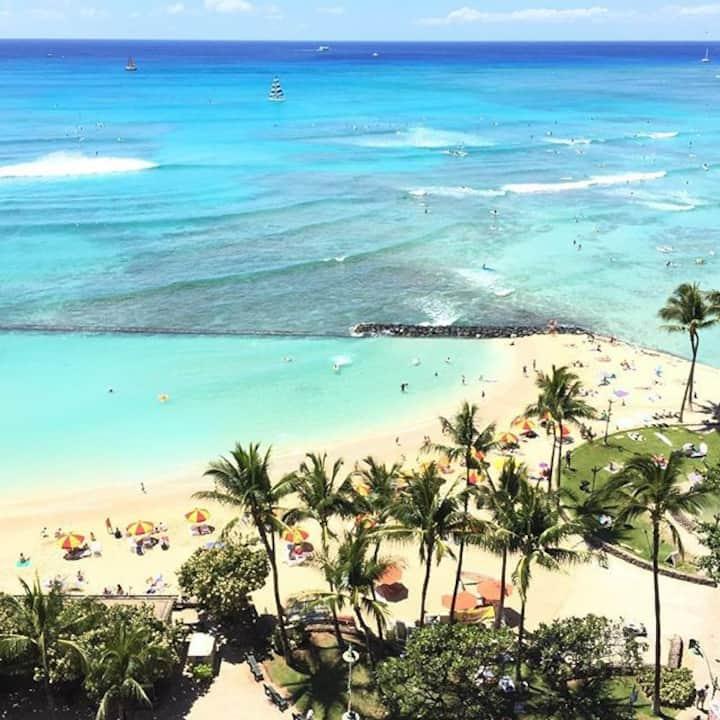 1 Full Size Bedroom Condo in Waikiki Beach 2 min!