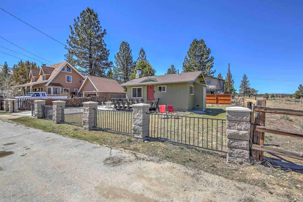 Ideally situated on the corner of a 3,000-acre ranch, you'll have plenty of room to explore.