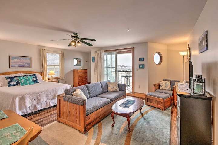 Oceanfront Lincolnville Studio w/ Private Balcony!