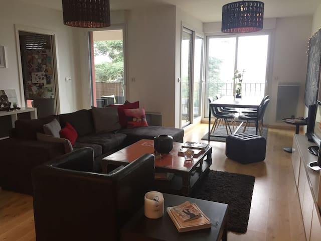 Appartement cosy et lumineux avec terrasse - Chantepie - Byt