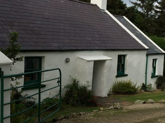 Doagh Cottage and The Calf House - Portsalon - Hus