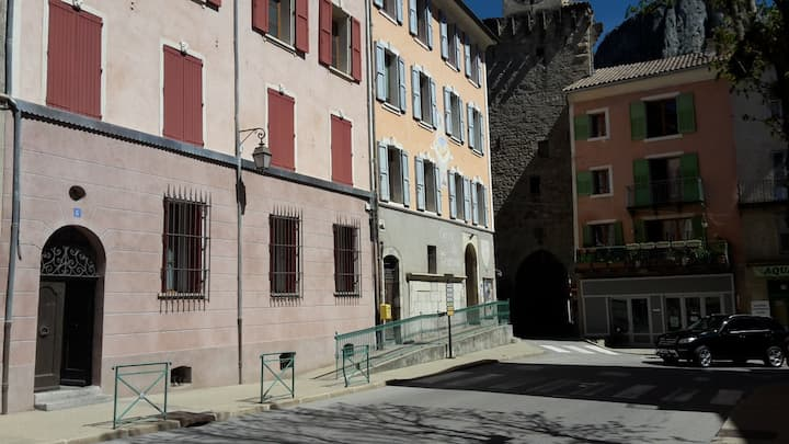 2 bed Apartment in Castellane