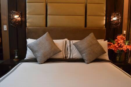 Luxury Studio at Park Terraces Ayala Premier. - Makati - Apartemen