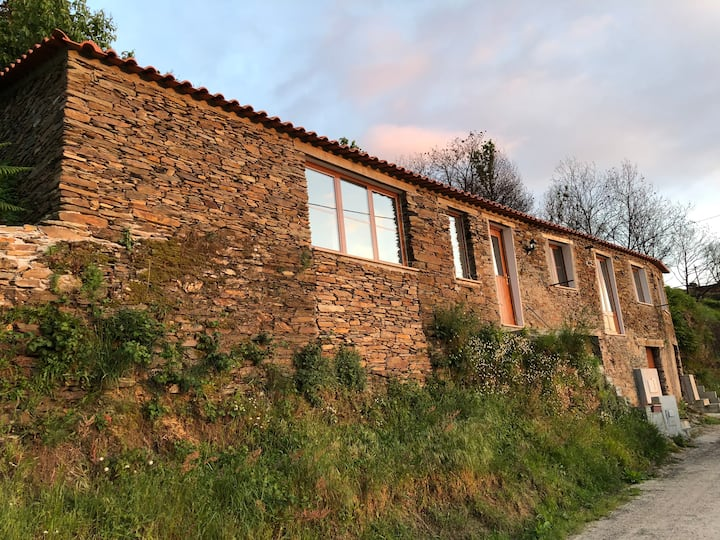 Casa do Mel -  Schist Cottage on a hill