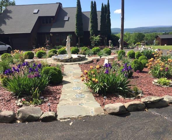 The Catskill Mountain Panoramic View Retreat Home