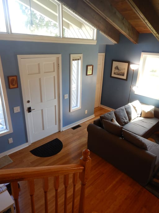 Front door entry to vaulted ceilings and living room