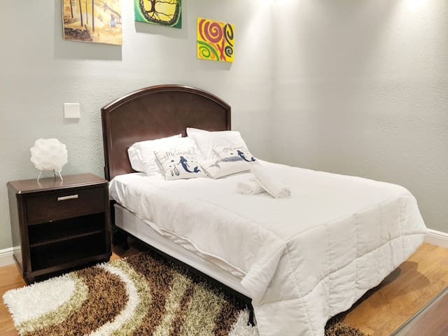 Fabulous One Bed on Franklin Street