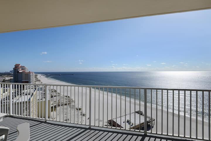 Gulf Front~Beautiful Unit & Views!!! Toes in the sand in seconds!