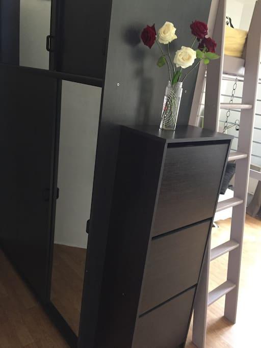 Armoire et meuble à chaussures / armadio e scarpiera