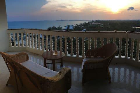 Sea View Beach Condominium (Free Motorbike Rental)
