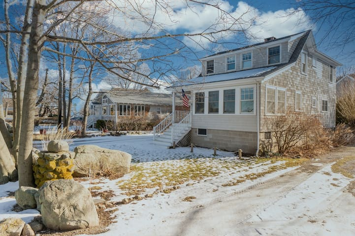 Stunning classic family home that has central AC & outdoor patio w/ kitchen & TV