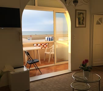 FRONT DE MER: VUE SUR MEDITERRANEE, JETEE ET PHARE - Port-la-Nouvelle - Apartemen