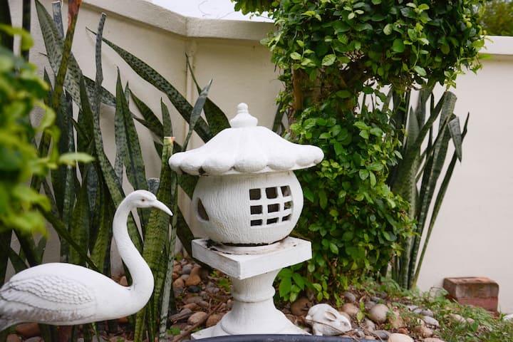 Memoire Villa, Blue Suite with Garden