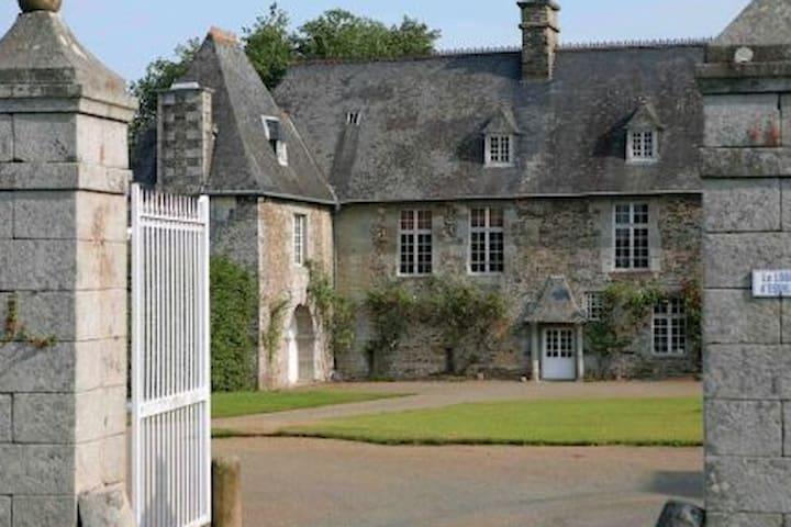 Chambre double baie du Mont St Michel & Granville