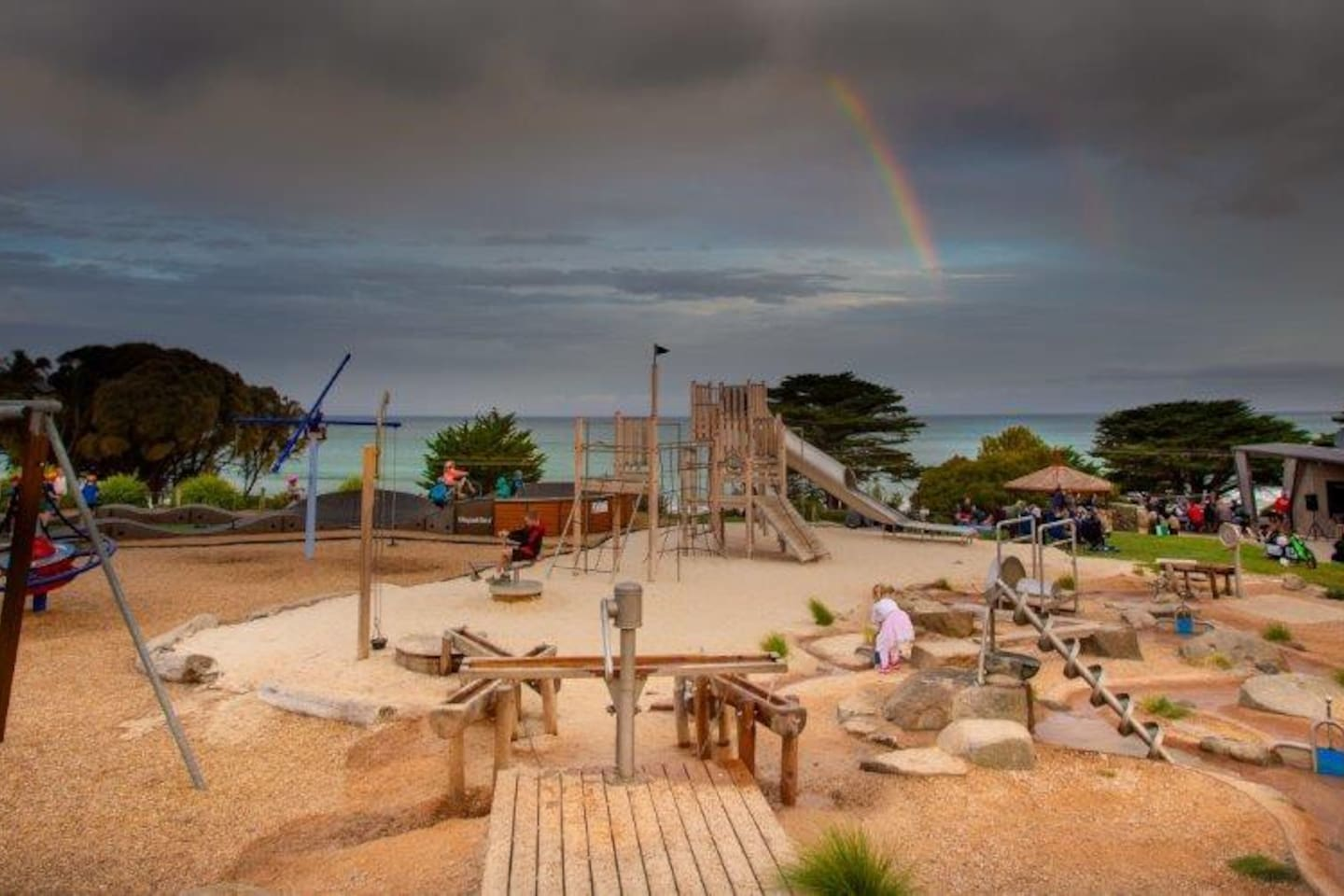 You have full access to our open Fire, BBQ and play ground area overlooking the ocean