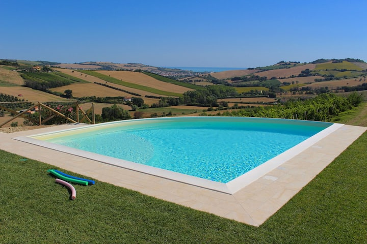 Boutique Farmhouse in Fermo with Swimming Pool