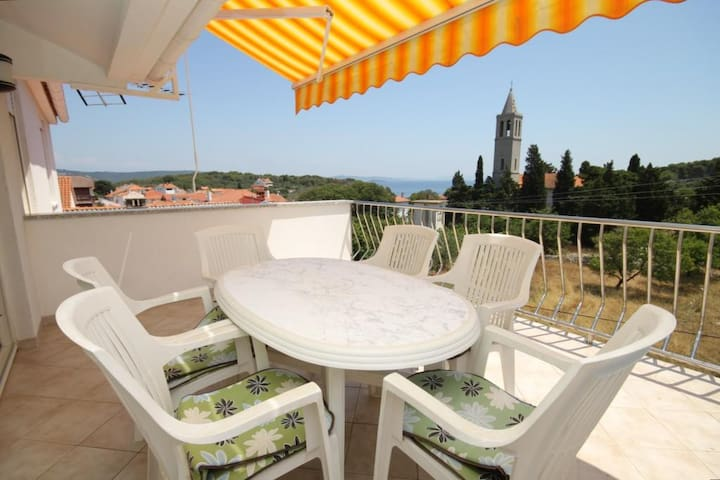 One bedroom apartment with terrace and sea view Božava (Dugi otok) (A-8100-a)