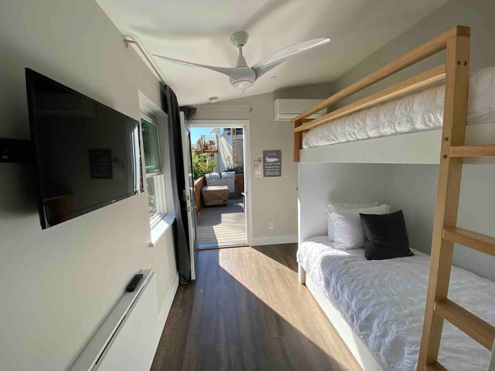 Bunkhouse Beauty In Marin