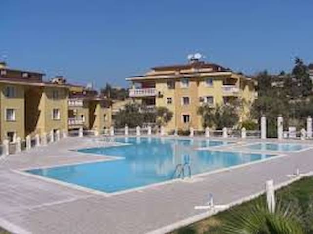 Appartement meuble avec piscine - Kuşadası - Wohnung