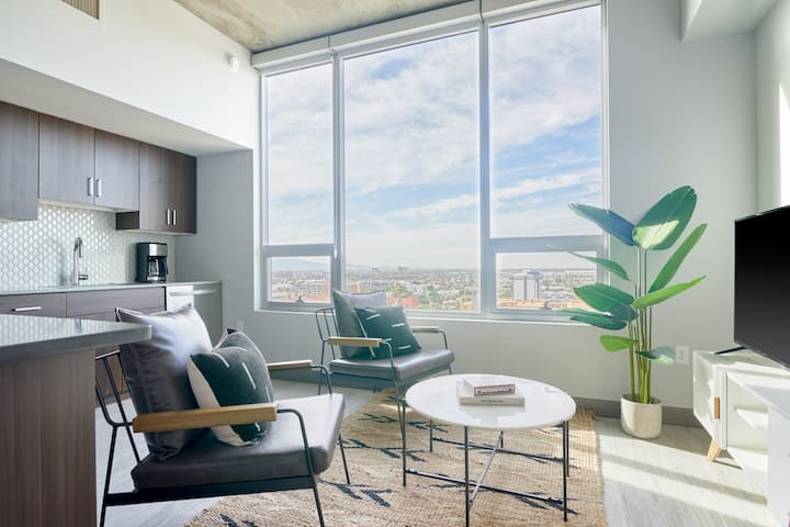 Sonder   Private 1BR + Pool   Monthly Discounts