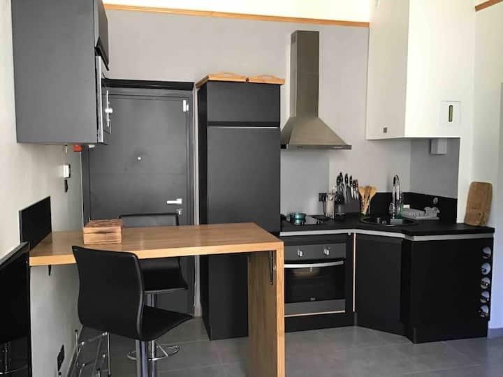 Appartement 2 Pièces 350m de la gare 900m centre