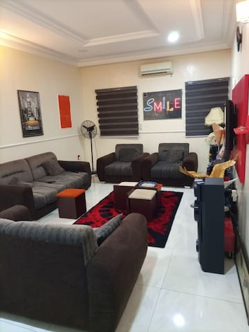 """Plush Abuja Home with Style, taste and comfort"""""""