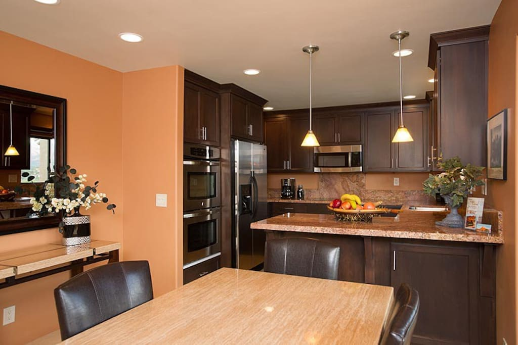 Canyon Breeze Suite kitchen.
