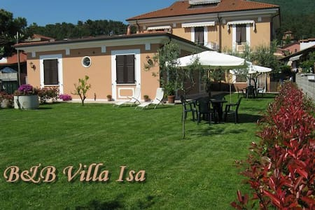 B&B Villa Isa, bed and breakfast - Carrara - Inap sarapan