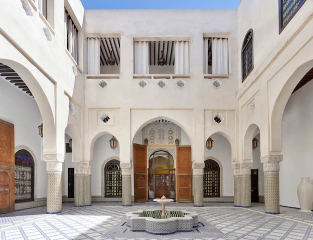 Luxury, stylish and confortable historical Riad - Fès - Bed & Breakfast