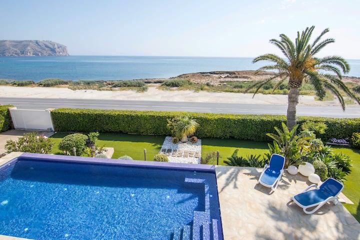 Vista Alegre - Villa frente al mar